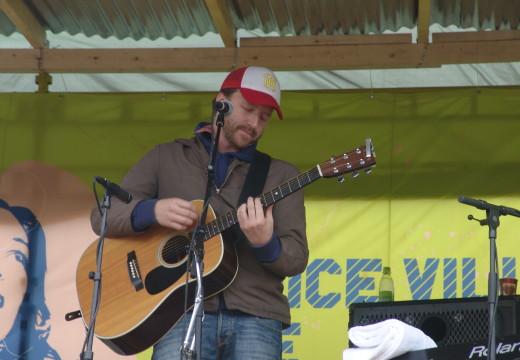 Thom Hell med konsert i Ravnedalen