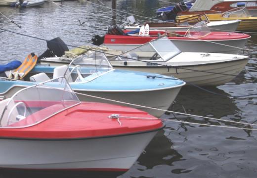 Jakter gamle lokale plastbåter