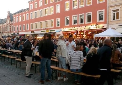 God premiere for Sommer På Torvet