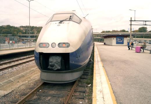 Togtrafikken lammes av politisk streik