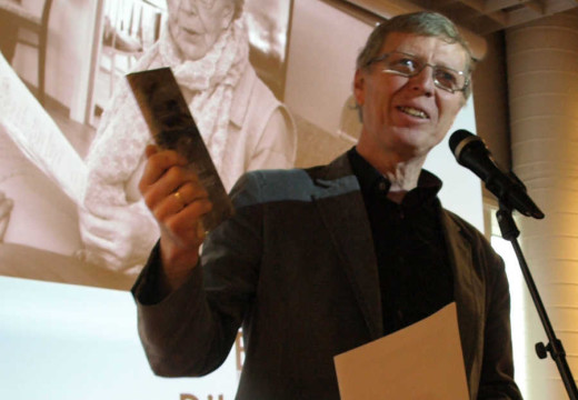 Debutbok til 90-åring kan vinne Sørlandets litteraturpris