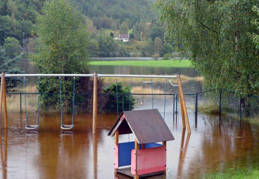 Flomstor Otra har ført til oversvømmelser