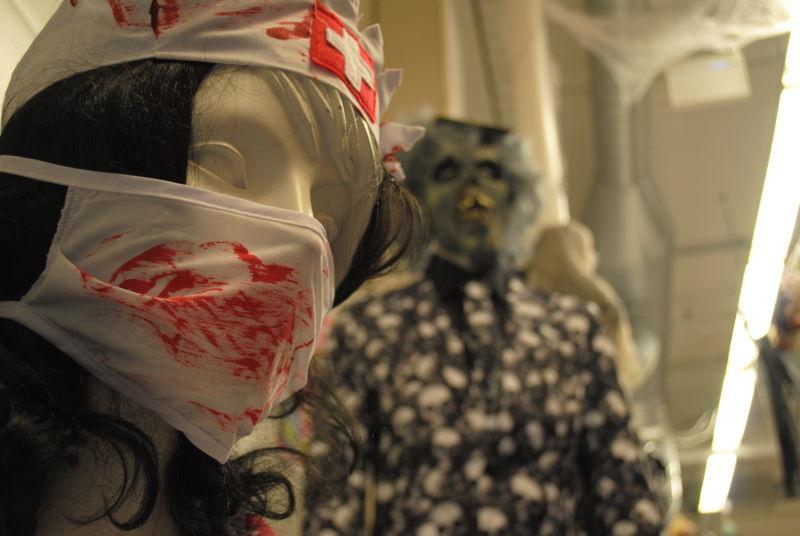 Halloween er tiden for skumle kostymer. Foto: Marianne Furuberg
