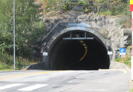 Flekkerøytunellen stenges to timer i dag